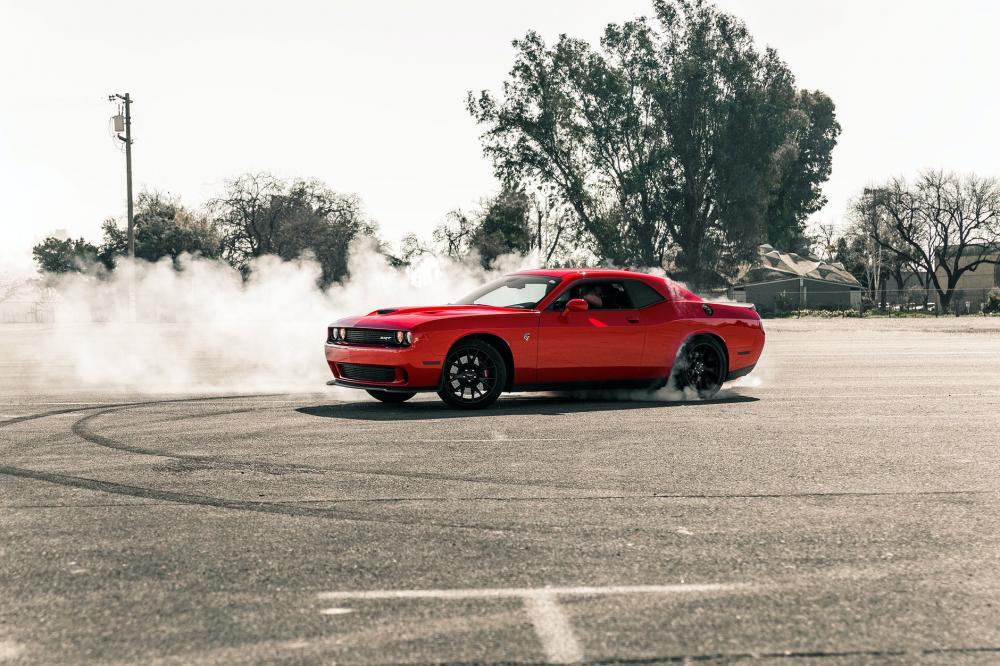 Amerikai autó élményvezetés: mennydörgő motorok nyugatról