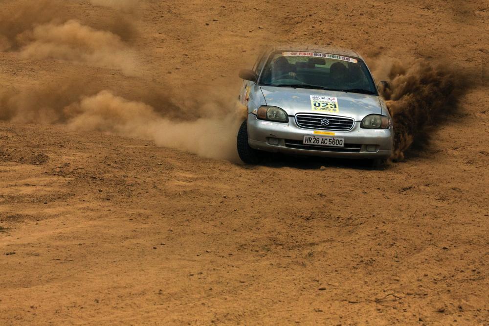 Mit szólna az ismerősöd, ha rally autó vezetést kapna tőled ajándékba?